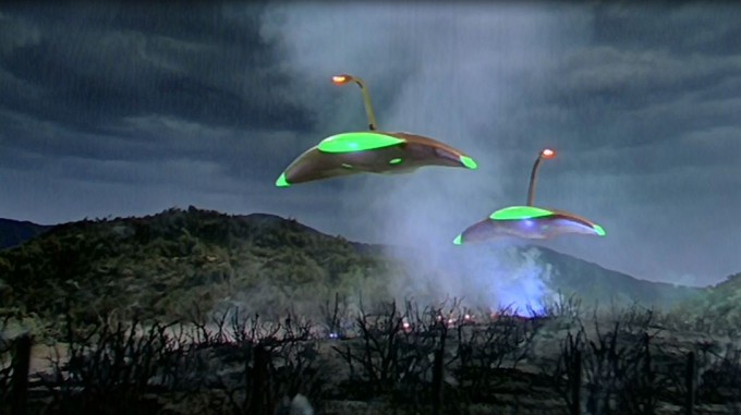The iconic war machines of The War of the Worlds, designed by Albert Nozaki.